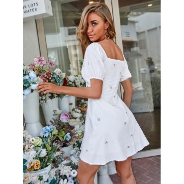Floral Embroidery Drawstring Front Sweetheart Neck Dress